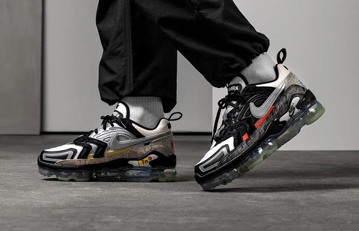 Nike Air Vapormax EVO NRG What The Black Metallic Silver DD3054-001 on foot 01