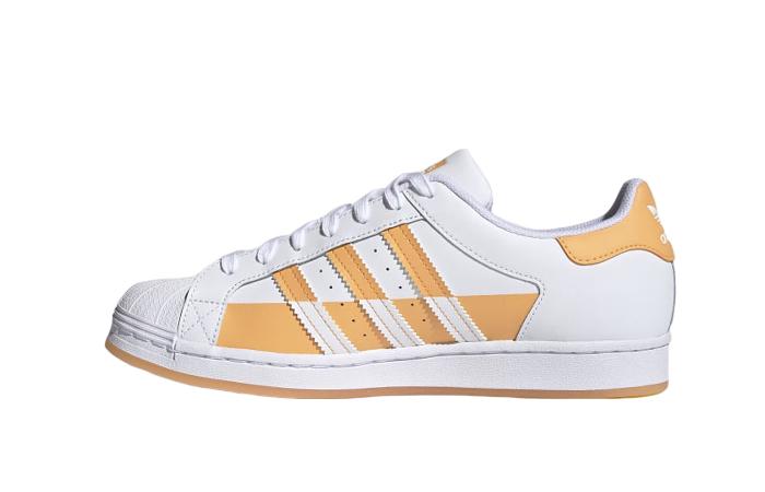 adidas Superstar Cloud White Hazy Orange FY7702 01