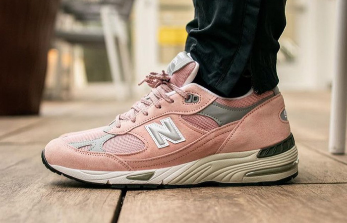 New Balance 991 Shy Pink M991PNK on foot 01