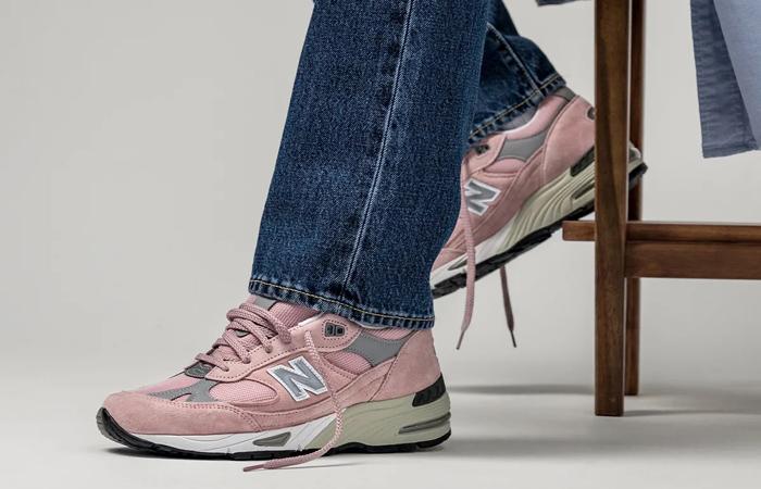 New Balance 991 Shy Pink M991PNK on foot 02