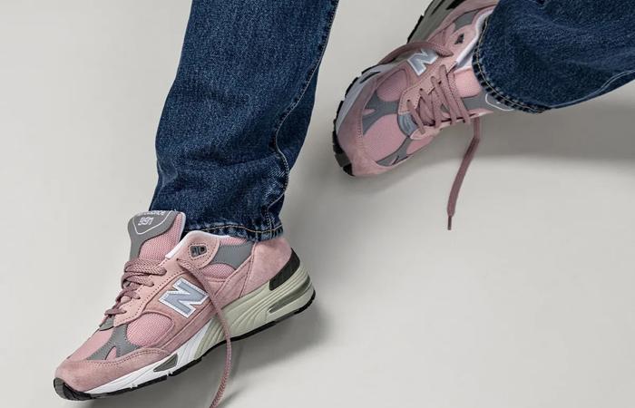 New Balance 991 Shy Pink M991PNK on foot 03