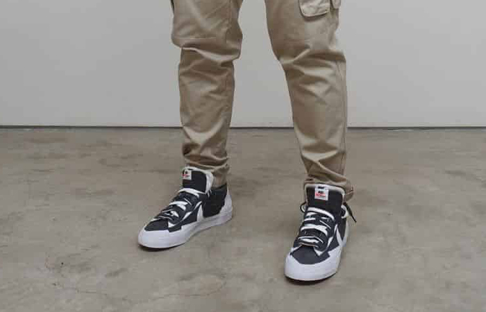 sacai Nike Blazer Low Dark Grey White DD1877-002 onfoot 01