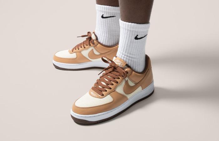 Nike Air Force 1 Low Acorn DJ6395-100 on foot 01