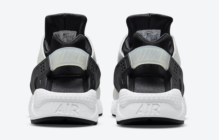 Nike Air Huarache Black White DD1068-001 05