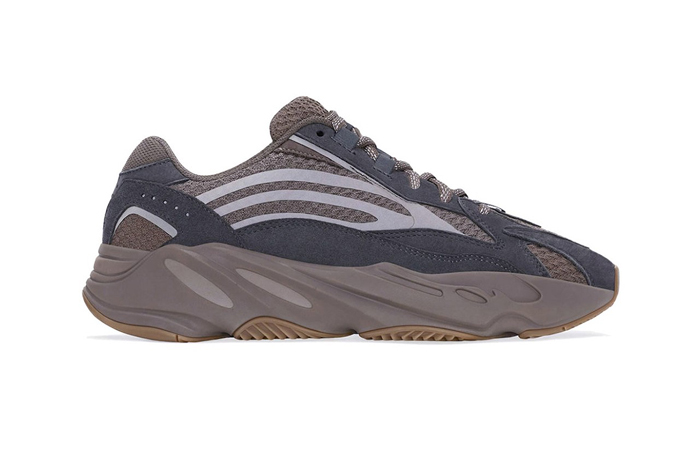 Yeezy Boost 700 V2 Mauve GZ0724 right