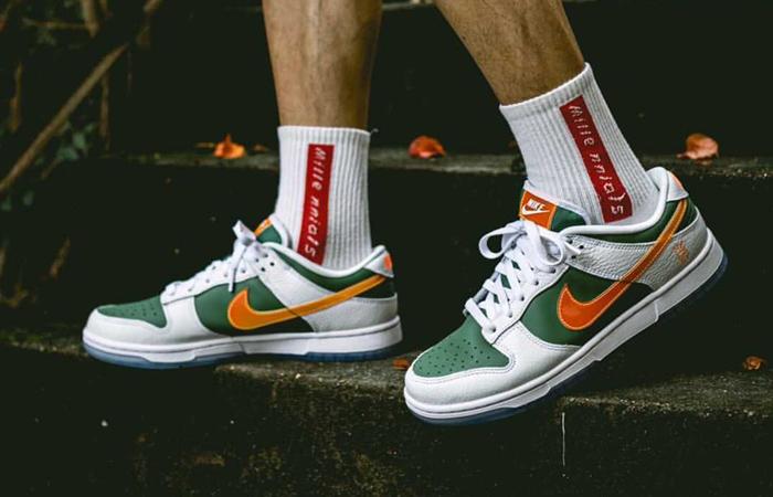 Nike Dunk Low NY vs NY Sage Green White DN2489-300 on foot 01