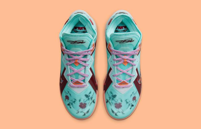 Nike LeBron 18 Low Psychic Blue CV7562-400 up