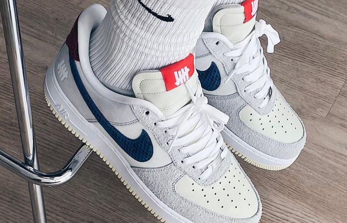 Undefeated Nike Air Force 1 Off White DM8461-001 on foot 01
