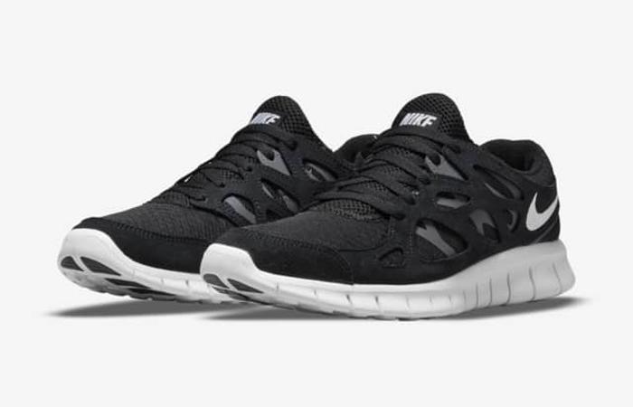 Nike Free Run 2 Black White 537732-004 front corner