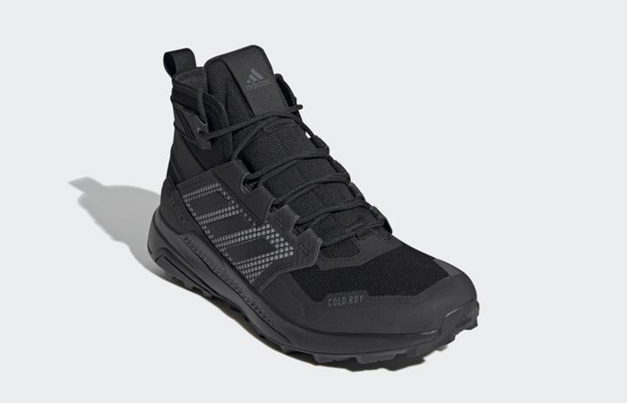 adidas Terrex Trailmaker Mid Cold Hiking FX9286 front corner